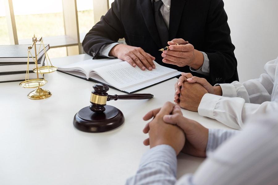 Weitere Schritte planen Auf Wunsch reichen wir für Sie fristgerecht Kündigungsschutzklage ein und setzen Ihr Recht durch.